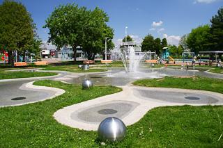 クリスタルパーク・噴水?