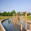 建物がある忠和公園内の水遊び場