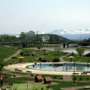 リベライン旭川パーク・ドリームランドエリアから旭橋と大雪山連峰を望む